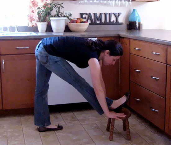 Chef Workout: 4 Kitchen Stretches
