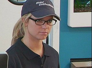 Jessica Simpson Is Mac Tech Support on I Get That a Lot