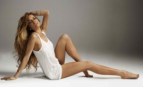 Sexy Photos of Lindsay Lohan Promoting New Spray Tan Sevin Nyne