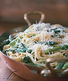 Fast & Easy Dinner: Asparagus-Goat Cheese Pasta