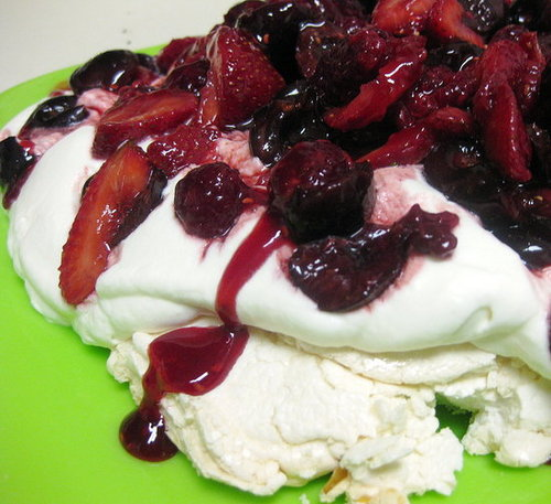 Ina Garten's Mixed Berry Pavlova