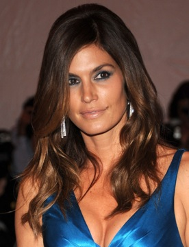 Cindy Crawford's Hair and Makeup at the Met's Costume Institute Gala