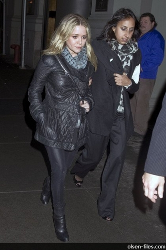 Mary-Kate Leaving Saturday Night Live After Party