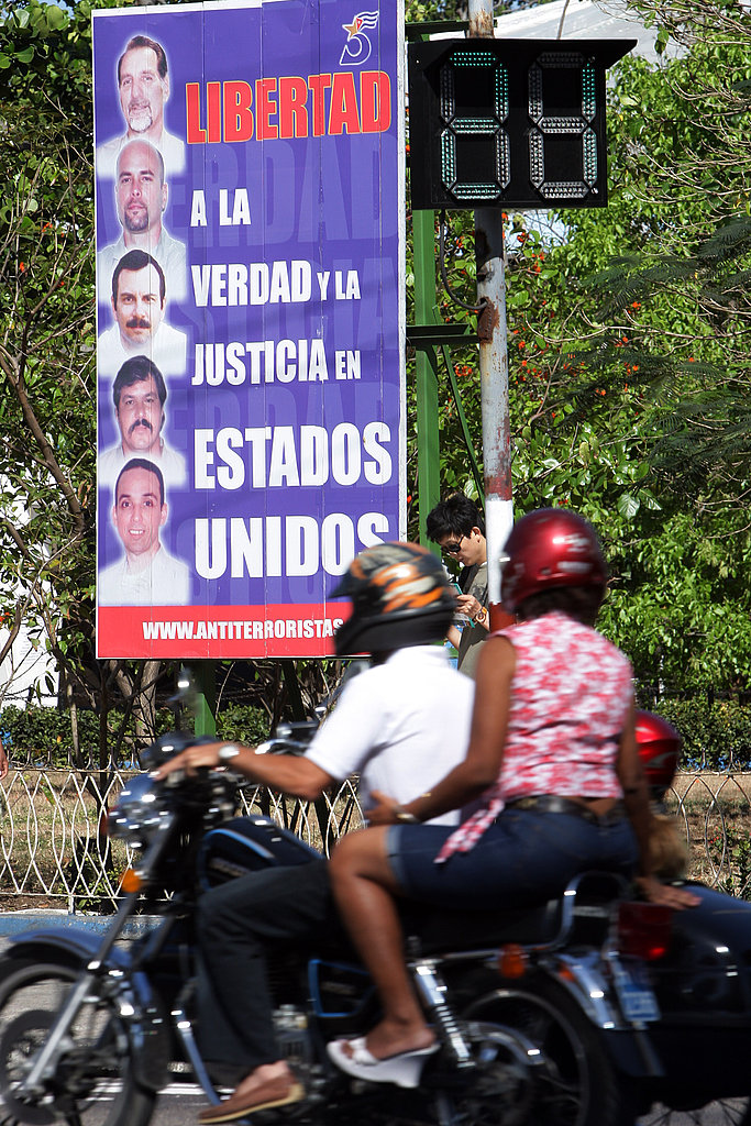 A banner demands the release of Cuban prisoners jailed in the US