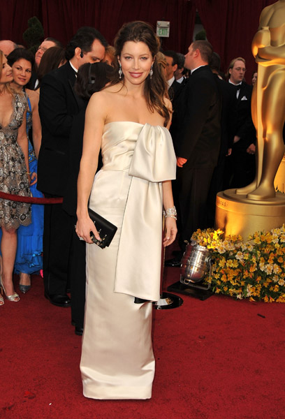 Oscars Trend Alert: All Tied Up in Bows and Knots