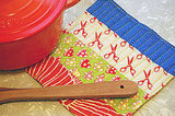 Craft helps you whip up a quilted potholder