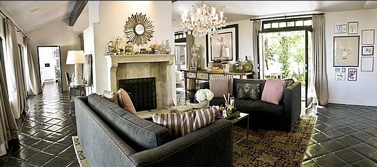 Molly Sims's former LA home was certainly one house of style. I love this sitting area in her open plan room. It's feminine, fresh, and a bit Hollywood Regency, but it has plenty of its own personality. Source