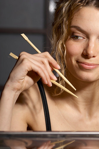 The How-To Lounge: Using Chopsticks