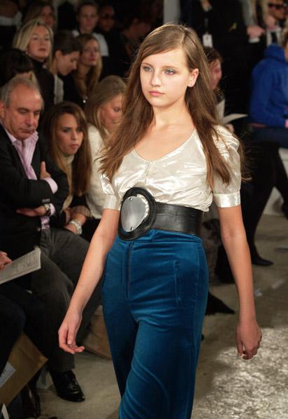 Modelwear_Alan_12672588_600