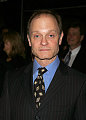 Sugar Bits - David Hyde Pierce Comes Out!