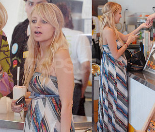 Nicole Richie Juices Up! Fruit-tastic!