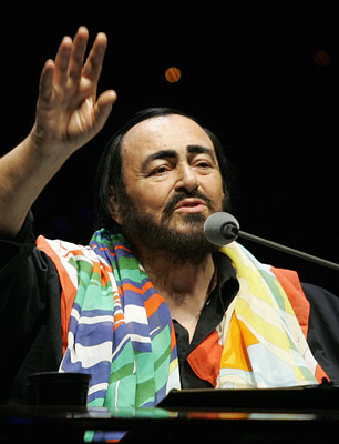 Sugar Bits - Pavarotti Passes Away