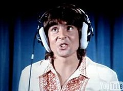 http://media1.onsugar.com/files/users/1/13254/38_2007/Picture%207.larger_0/i/Flashback-Davy-Jones-Brady-Bunch.jpg