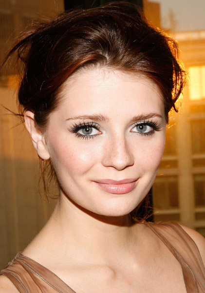 Mischa Barton Is Walled In