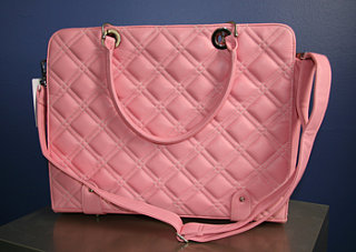 Sugar Shout Out: Win A Pink Laptop Carrier!