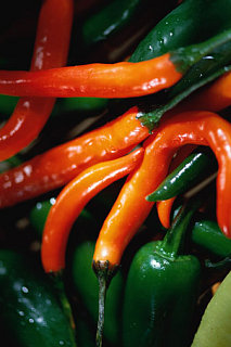 Cut Hot Peppers Without The Burn