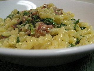 Fast & Easy Dinner: Eggy Pasta with Spinach and Bacon