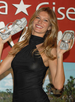 Fab Flash: Gisele Y Ikatu Xingu Footwear Collection