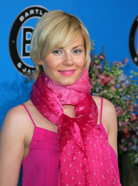 Bright pink lips are huge right now, but I think Elisha Cuthbert went a bit ...