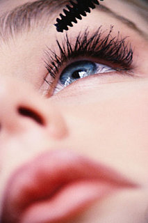 How Many Coats of Mascara Do You Apply Daily?