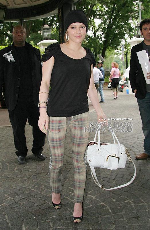 Hilary Duff in brunette -5