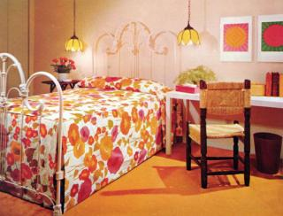 Midday Muse: A Very Brady Bedroom