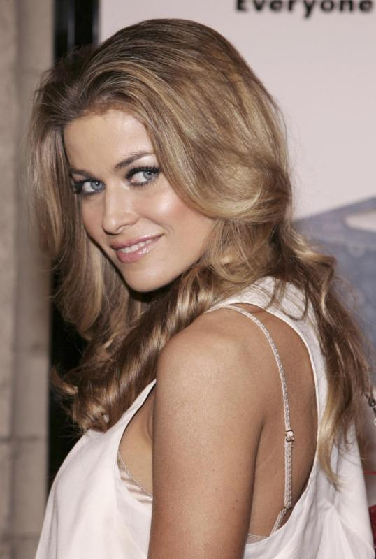 Carmen Electra: Light or Dark?