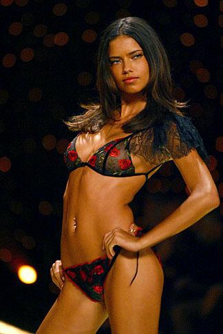 Adriana Lima - VSFS