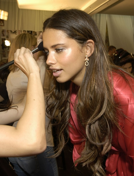 Adriana Lima - VSFS Backstage