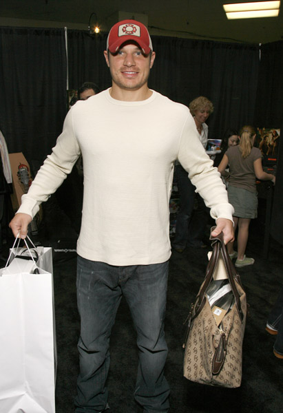 NickLachey_Mark _11886806_600