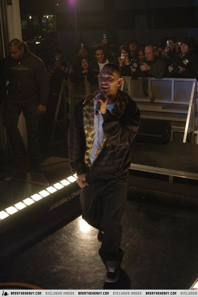 kevin-muchmusic11