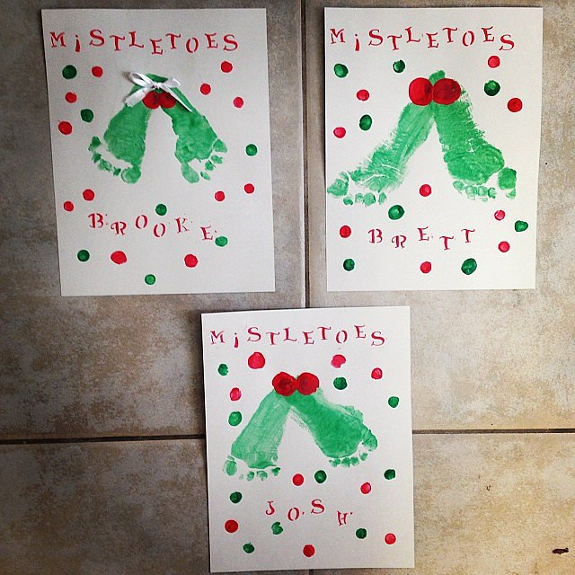 christmas arts and crafts for toddlers mistletoes 11 easy crafts for the kiddos 7495